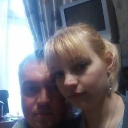 Семейная пара, ищем хорошенькую девушку с фантазиями в Екатеринбурге для секса