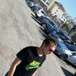 Обаятельный парень ищет не менее обаятельную девушку для секса в Екатеринбурге!