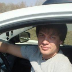 Молодой парень ищет девушку в Екатеринбурге