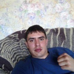 Внимательный, симпатичный добрый и нежный парень. Ищу девушку одну и надолго в Екатеринбурге
