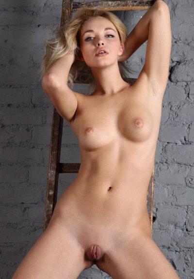 Обалденная девушка Брюнетка! Ищу мужчину для секса в Екатеринбурге.