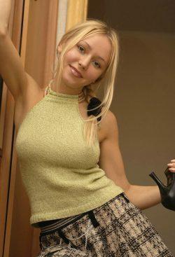 Молодая и красивая девушка из Москвы. Познакомлюсь с мужчиной для секса