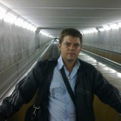 Не агрессивный парень, студент. Ищу девушку/женщину для секса в Екатеринбурге