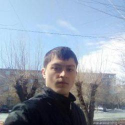 Девушки скучно одному парню, хочется любви и отношений, пишите буду рад! Екатеринбург